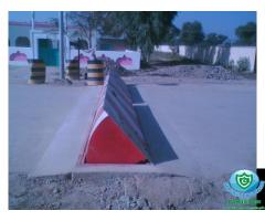 Hydraulic Road Blocker
